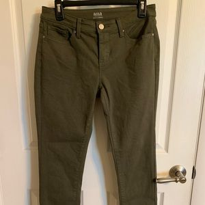 Women's Olive Green Cropped Jeans